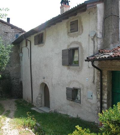 http://www.mvaldinoci.it/mv/opere/lavori-per-privati/edificio-resid…ale-a-nomesino/ 